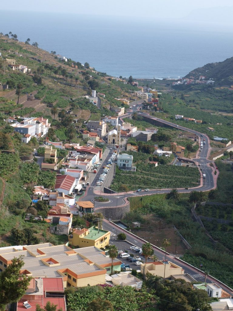 View of town, climbing out of Hermigua